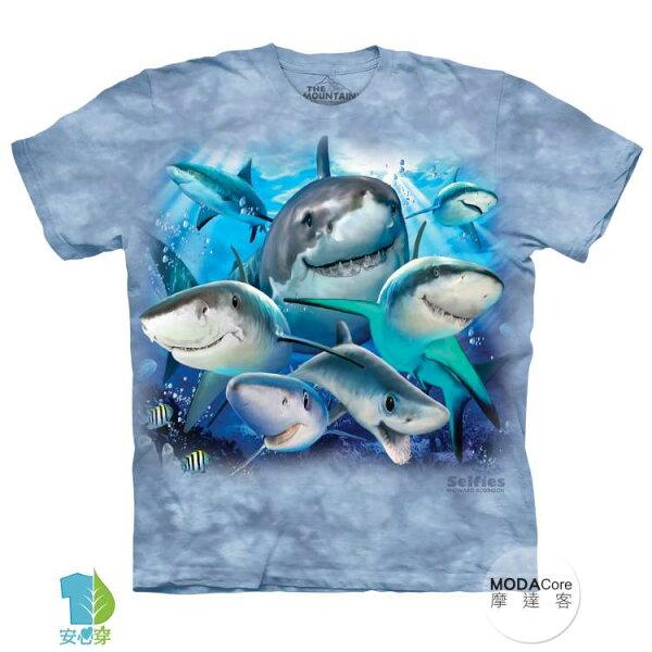 【摩達客】(預購)美國進口TheMountain鯊魚哦耶純棉環保藝術中性短袖T恤