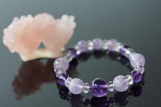 紫水晶&紫玉&白水晶 辰龍代表剛猛。配戴紫色寶石可增進信心。N291