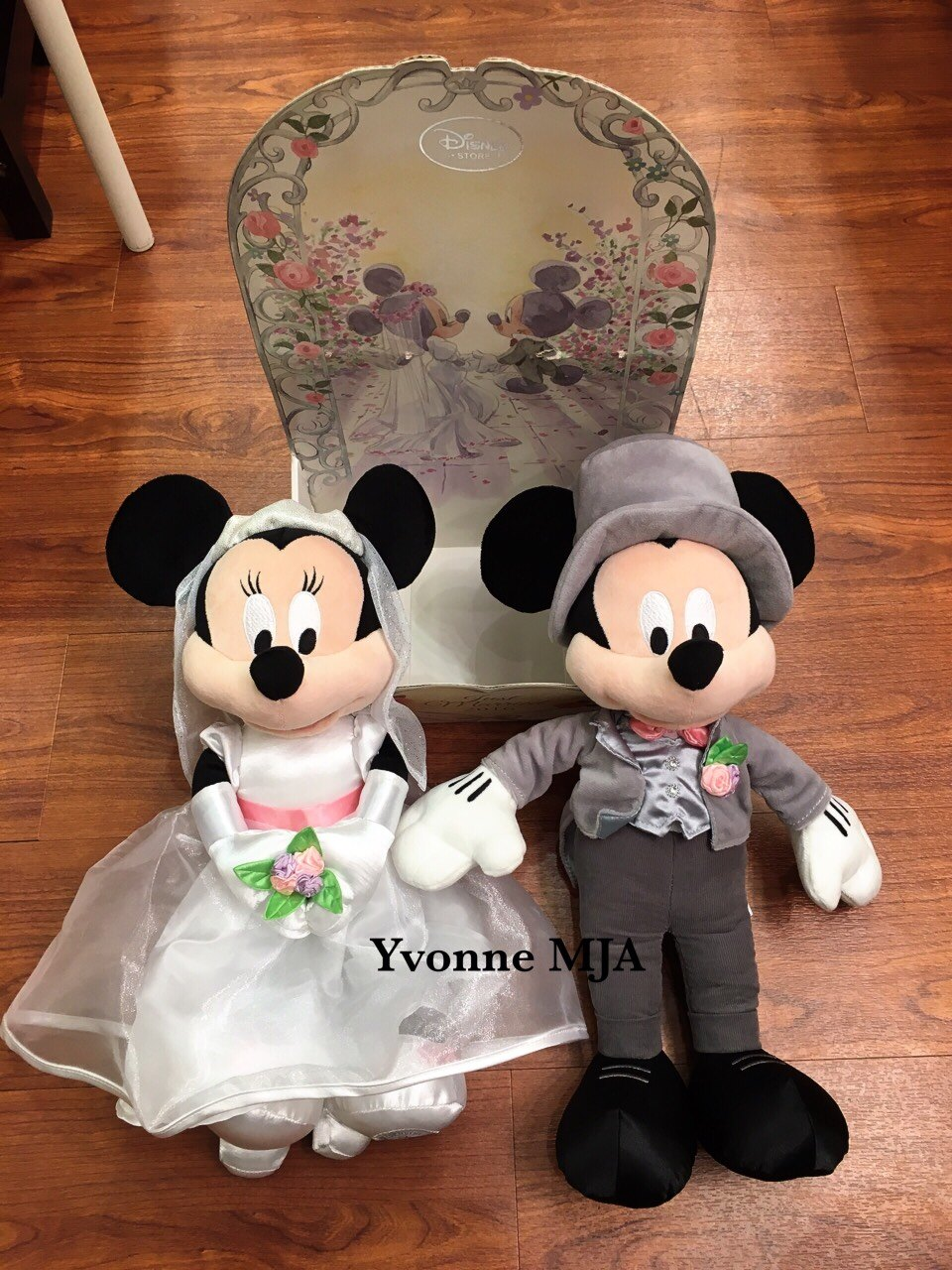 Yvonne MJA 英國代購空運 英國迪士尼商店限定 精裝版米奇米妮結婚大娃套組 (結婚不能單賣喔)