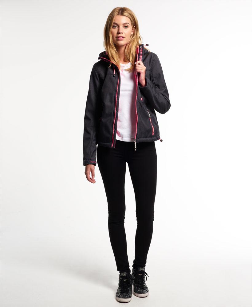 [女款] 極度乾燥 Superdry Windtrekker 炭灰/豔粉 連帽防風防水外套 1