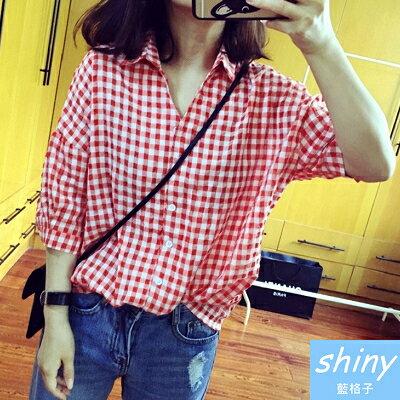 【V1050】shiny藍格子-休閒實搭.不規則格子翻領寬鬆七分袖襯衫