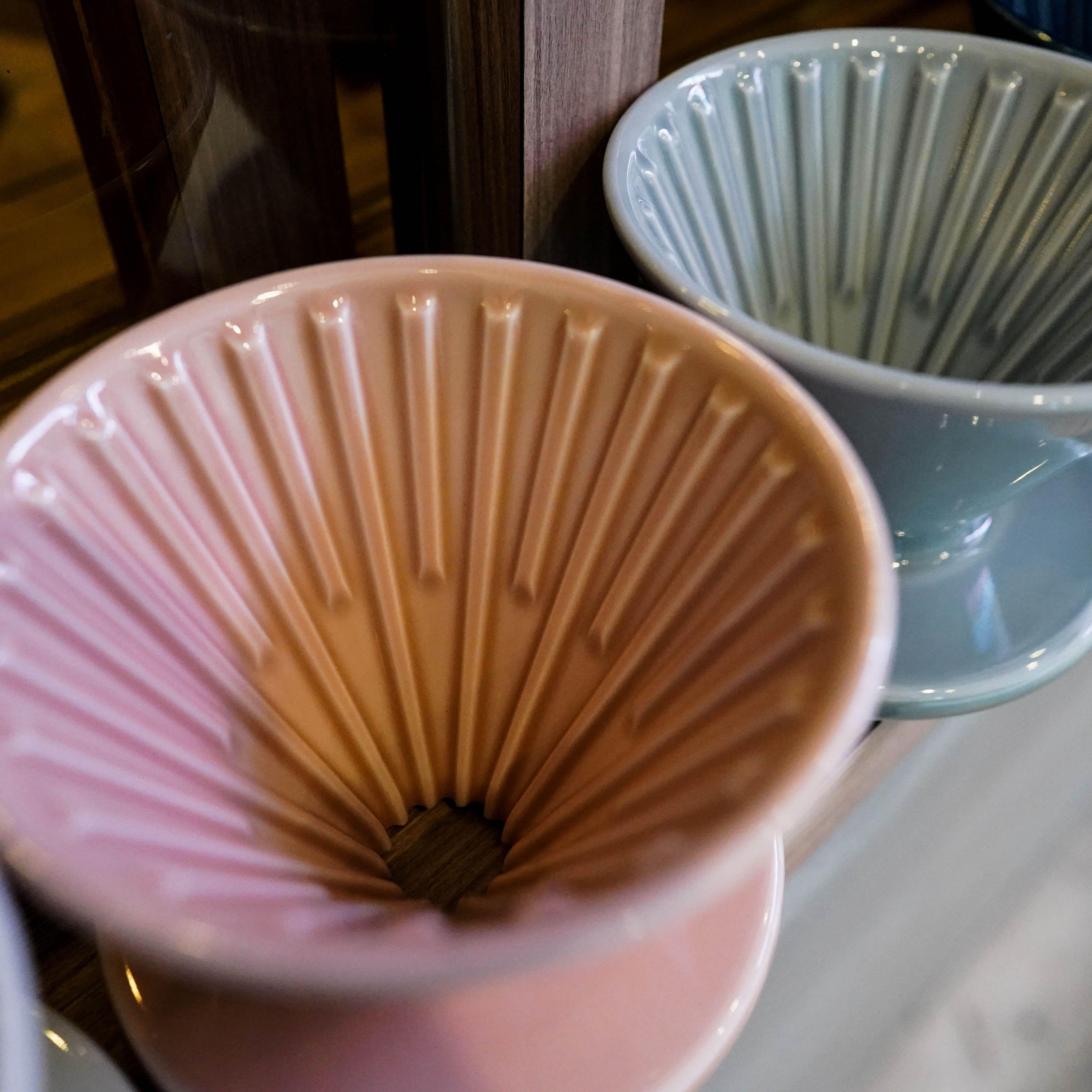 【沐湛咖啡】CAFEDE KONA Hasami 波佐見燒 陶瓷 錐形濾杯 1-2人 藍色/白色/粉色/灰色