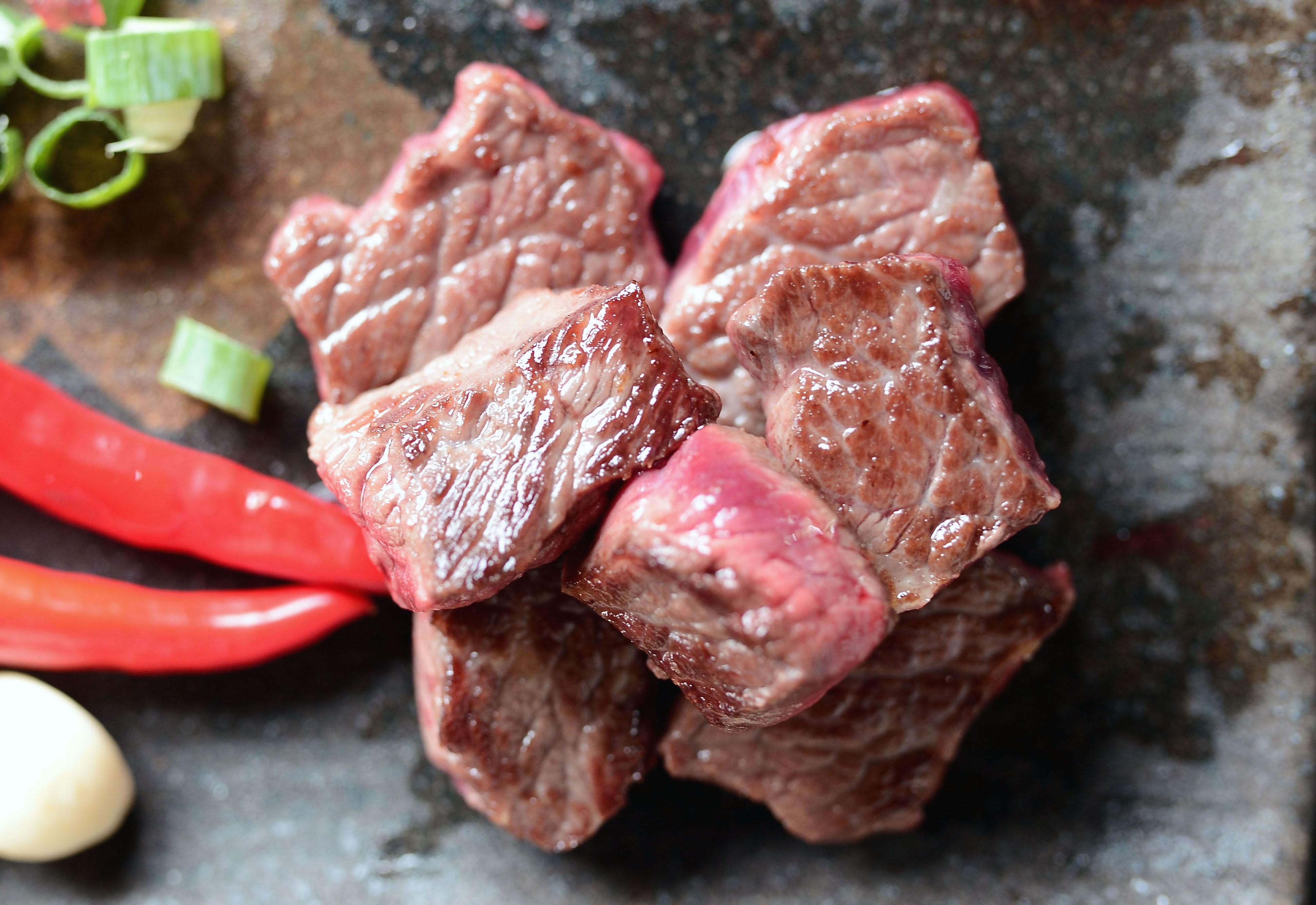 【 咩 】台灣努比亞嫩肩骰子羊  ★ 絕無羊騷味 肉厚嫩軟適 怕吃羊肉或不吃羊肉也會愛吃的烤羊肉 BBQ烤肉 燒烤 4