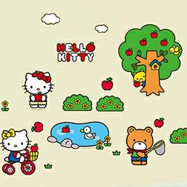 WallFree 窩自在 DIY 無痕創意牆貼/壁貼-Hello Kitty郊遊踏青
