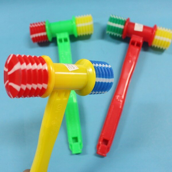 台灣製 小氣錘玩具 響捶玩具+附吹笛 槌錘子榔頭/一支入{定20}~MIT製 空氣槌子響聲 安全整人響鎚 氣槌