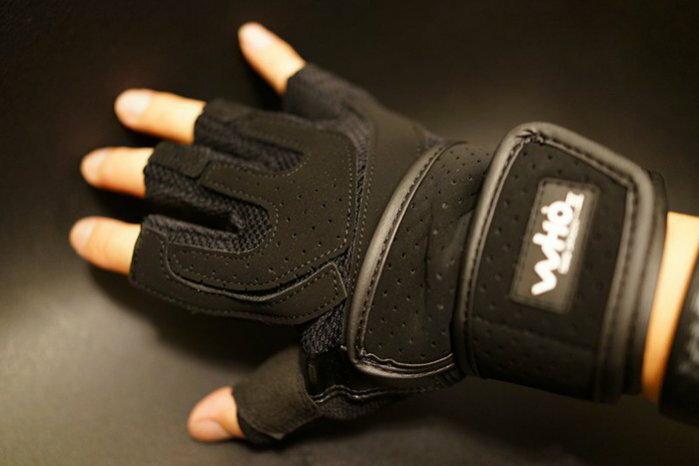 熱銷~外銷舉重手套~重量訓練手套~健身房手套~防滑護具~含手腕手綁帶-全黑色