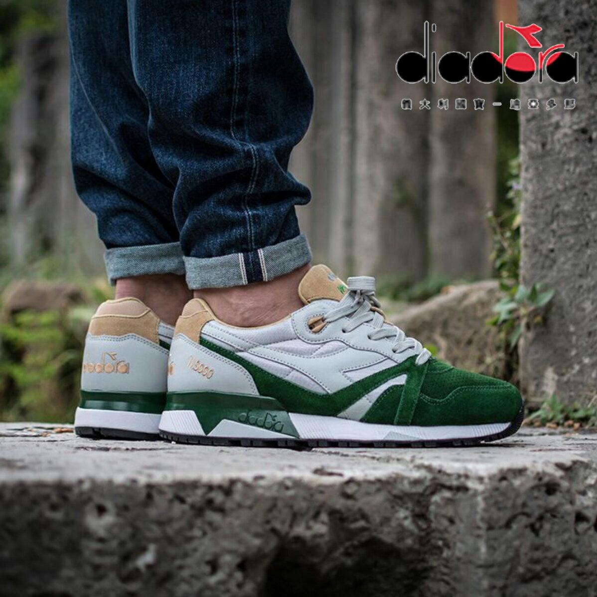 【巷子屋】義大利國寶鞋-DIADORA迪亞多納 男款N9000系列原廠雙皮革復古慢跑鞋 [C6285] 淺灰駝綠 超值價$980
