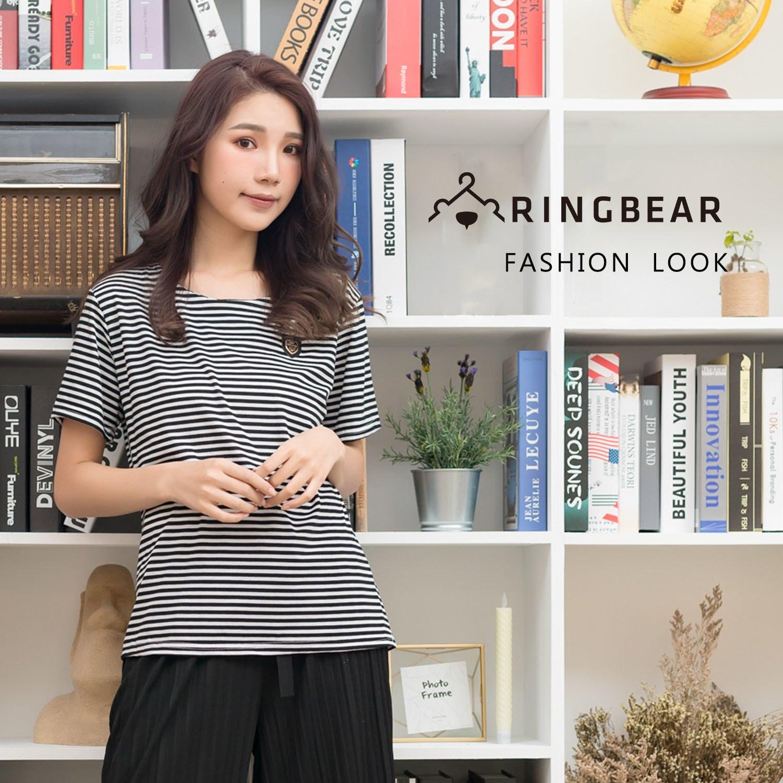韓版--休閒經典條紋簡約氣質皮革紋章圓領彈性短袖上衣(黑L-3L)-T279眼圈熊中大尺碼 0
