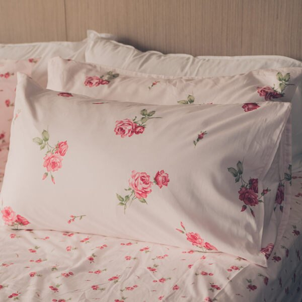 枕頭套兩入- [恬靜水芙粉-大花] 100%純棉210織 ; SGS檢驗通過 ; 45x75cm; 翔仔居家台灣製 - 限時優惠好康折扣