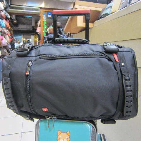 ^~雪黛屋^~OVER LAND 十字軍 隨身旅行袋 可後背可手提可斜側背可放13~17吋