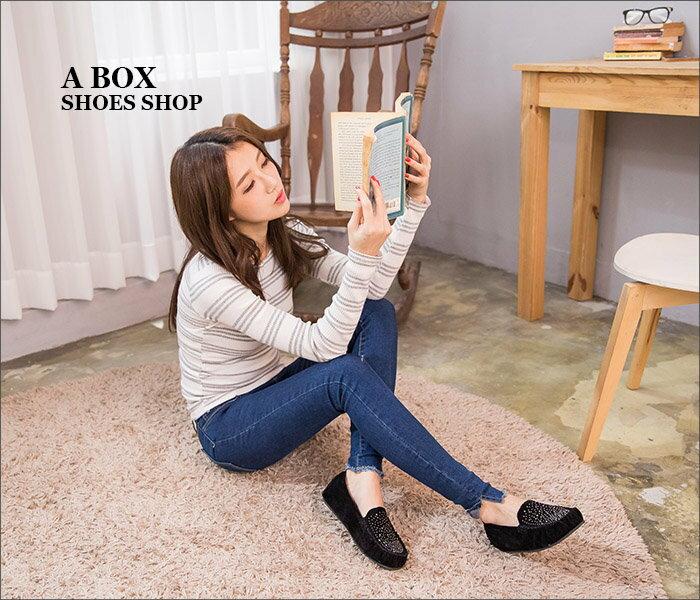 格子舖*【AR380】超值質感絨布金屬綴飾車線設計 舒適軟Q平底包鞋 豆豆鞋 走路鞋 3色 2