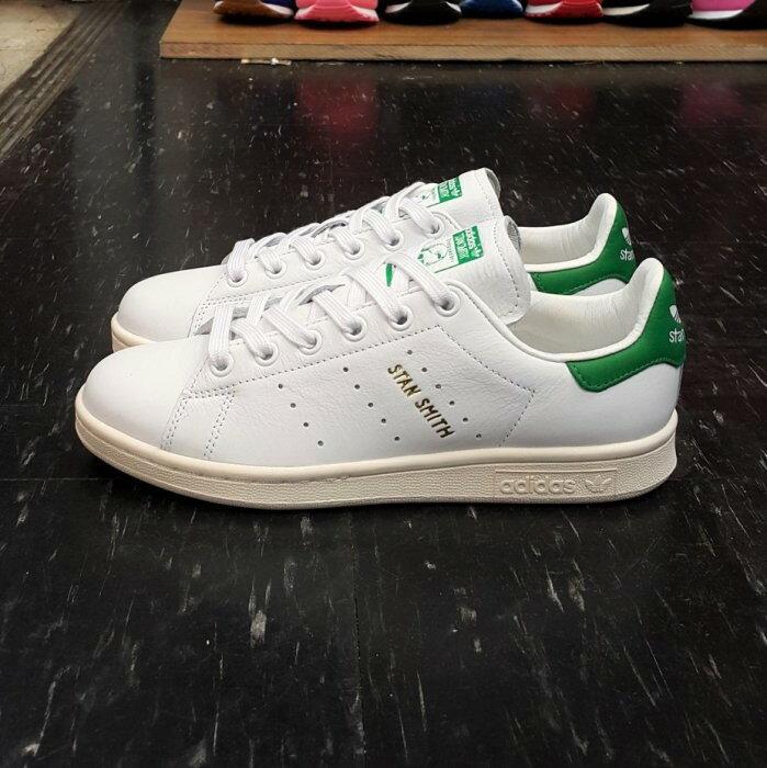 adidas STAN SMITH 白色 全白 綠色 白綠 金字 奶油底 薄鞋舌 皮革 荔枝皮 復古 S75074