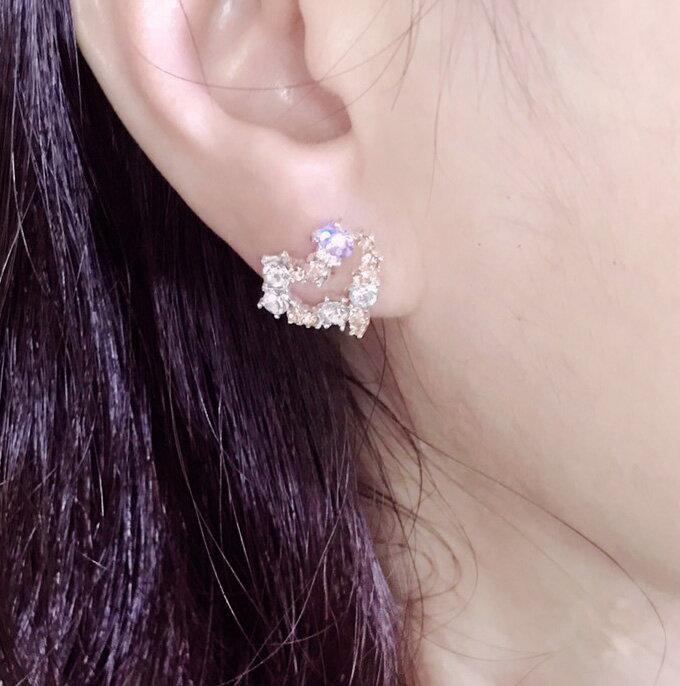 正韓愛心鑲鑽貼耳耳環~夏綠蒂didi-shop