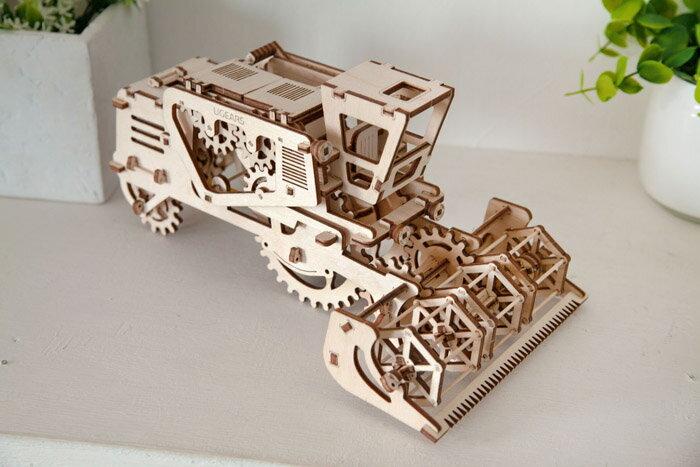 Ugears 自我推進模型 (Combine 聯合收割機) 3