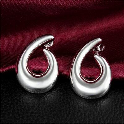 925純銀耳環 耳針式耳飾~彎鉤 獨特氣質百搭七夕情人節生日 女 73au67~ ~~米蘭