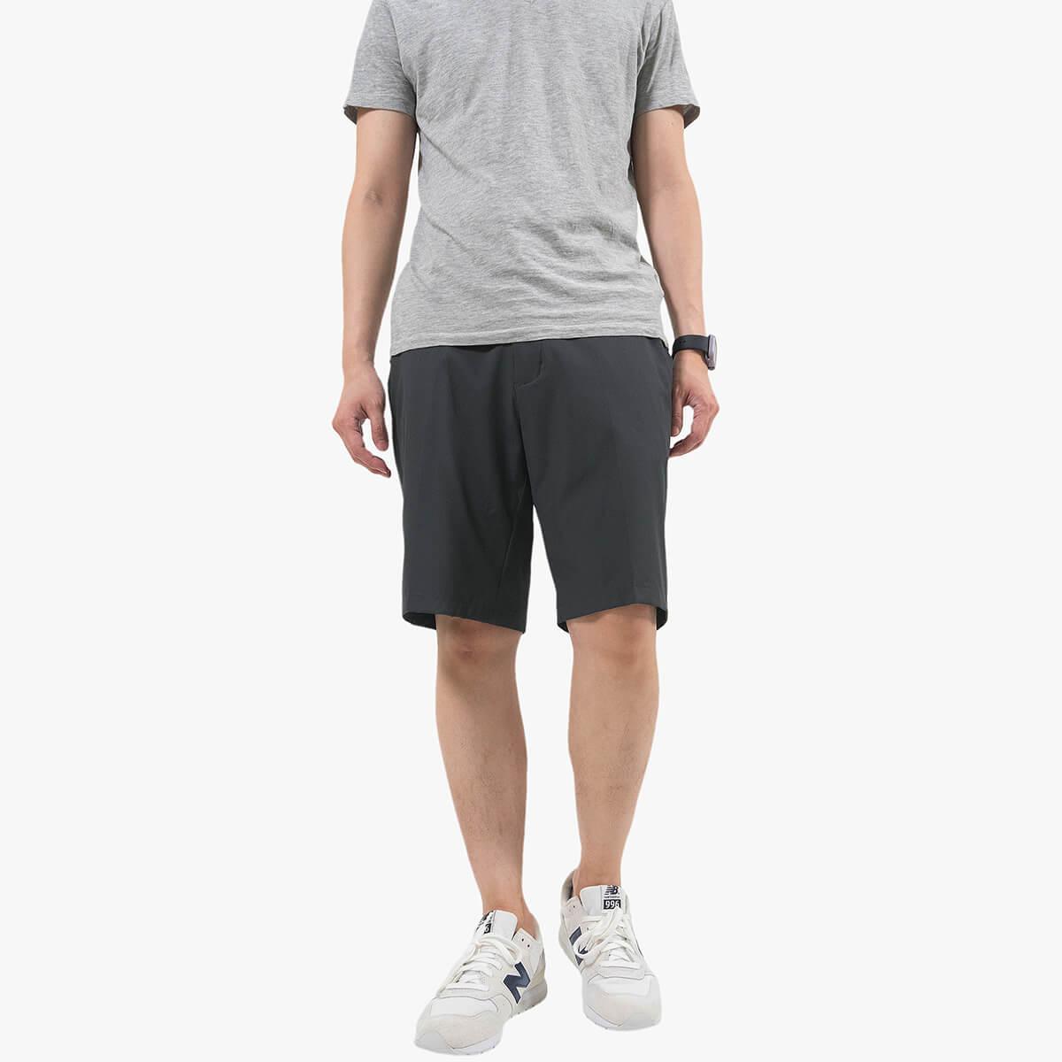 透氣速乾超輕薄五分褲 涼爽休閒短褲 機能纖維休閒褲 腰圍鬆緊帶黑色短褲 Men's Casual Shorts Quick Drying Breathable Fabric (390-8962-22)