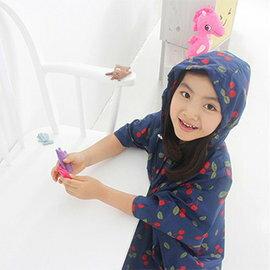 WallFree窩自在★時尚櫻桃披風 加厚旅行休閒雨衣-兒童款M號