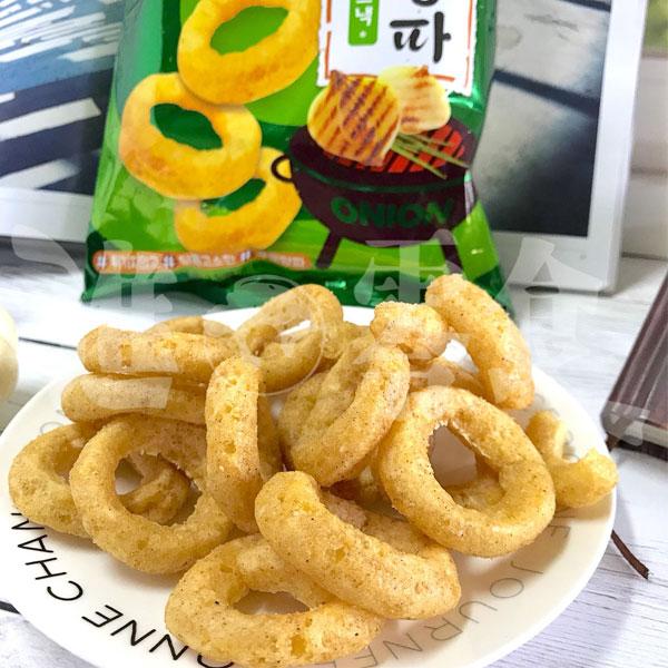 韓國 Calbee 蒜香烤洋蔥圈 70g 超寬的炸圈圈上撒上胡椒和鹽!【特價】§異國精品§