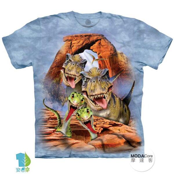 【摩達客】(預購)美國進口TheMountain恐龍哦耶純棉環保藝術中性短袖T恤