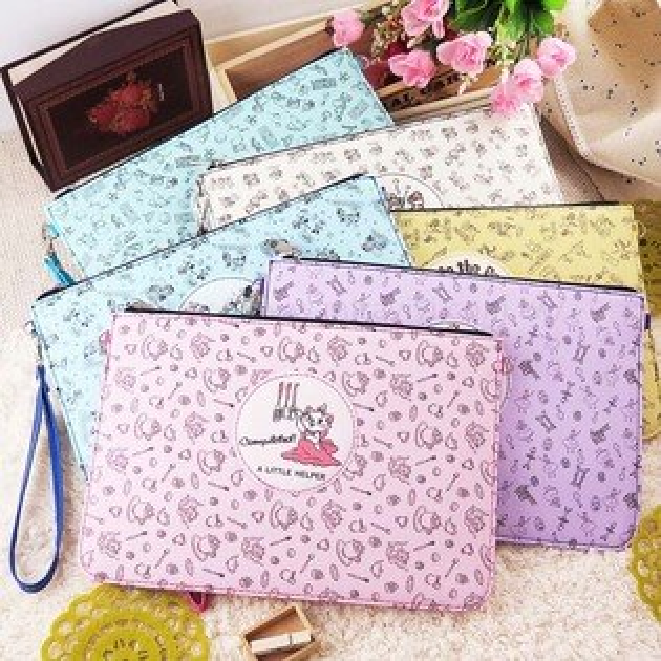 【Disney】迪士尼童趣滿版插畫風10吋通用平板皮套保護包萬用包手拿包