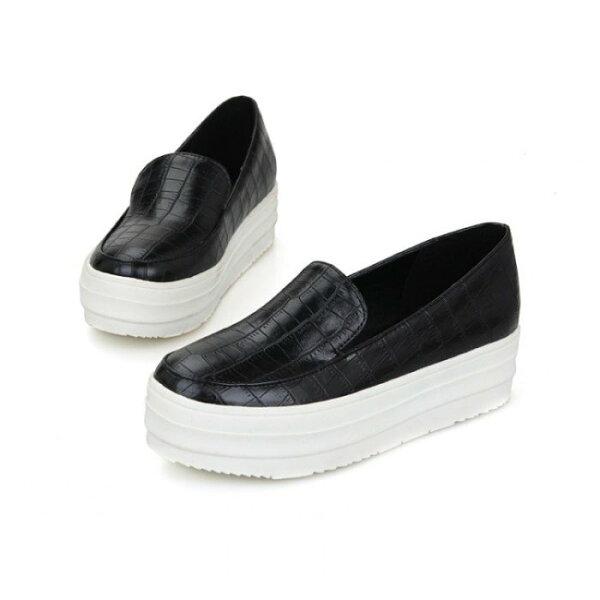 Pyf♥韓版厚底樂福鞋亮面鱷魚紋個性街拍增高休閒鞋4243大尺碼女鞋