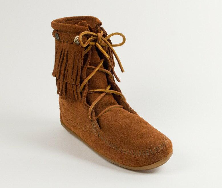 【Minnetonka 莫卡辛】棕色 -純手工雙層流蘇短靴【全店免運】 0