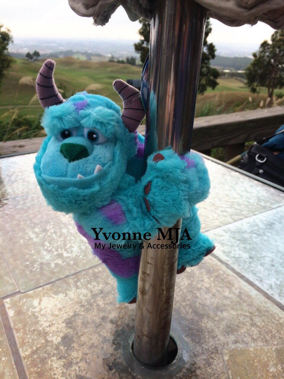 *Yvonne MJA*香港迪士尼Disney樂園限定正品怪獸大學毛怪特別版捲尺手可懸吊Q版娃娃