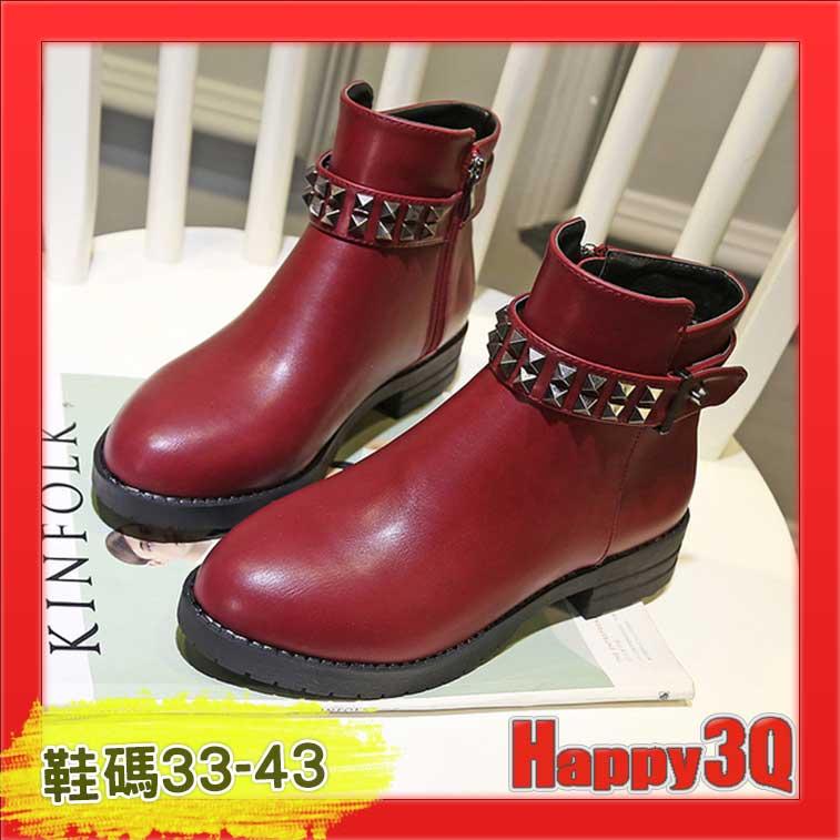 英倫 百搭修飾顯瘦鉚釘大 平底低跟圓頭中筒馬丁靴短靴~黑 紅 灰33~43~AAA1148