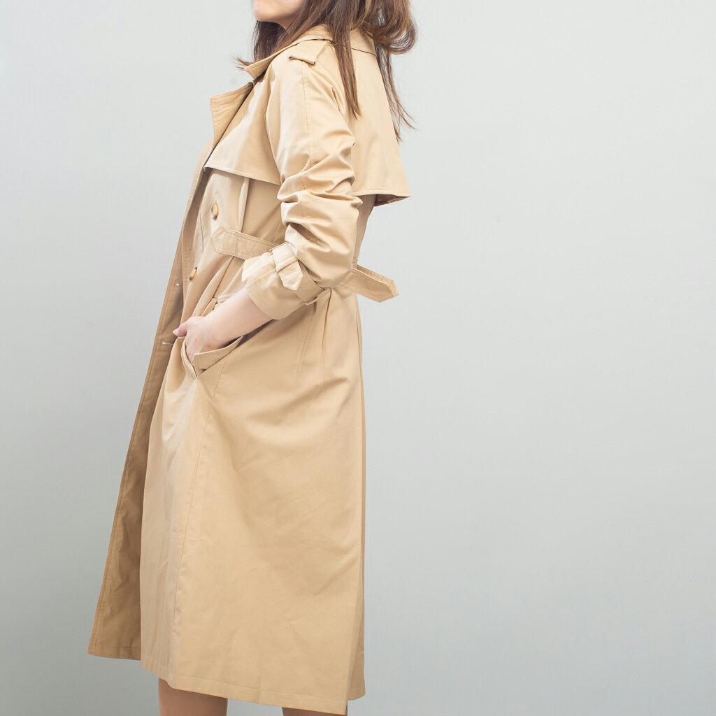 Lady M 收腰修身雙排釦卡其風衣