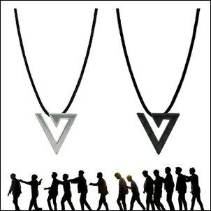 SEVENTEEN 同款韓國리스펙 鑽石標誌鏤空LOGO皮繩項鍊
