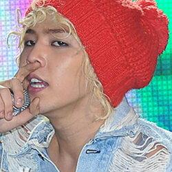| Star World。Caps | BIGBANG 權志龍 同款手作針織大毛球紅色毛線帽