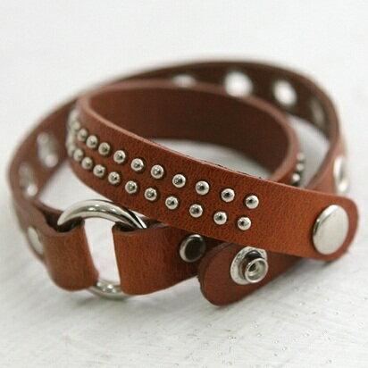 Kara 具荷拉 原來是美男 朴信惠 同款多層次鉚釘皮革手環