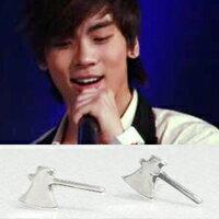   Star World。Earring    SHINee 鐘鉉 同款亮銀迷你斧頭造型耳釘耳環 (單支價)