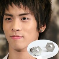 | Star World。Earring | SHINee 鐘鉉 同款六角凸點造型耳釘耳環 (單支價)