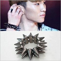 | Star World。Bracelets | SHINee Key 同款閃亮彈力雙排三角錐手環