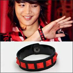 | Star World。Bracelets |  SHINee 珉豪 同款紅色方塊單排橡膠手環