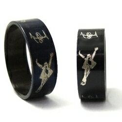 | Star World。RING | 麥可傑克森 Michael Jackson 人形圖案LOGO 簽名 紀念戒指