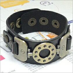 | Star World。Bracelets |  時尚復古銅環高質感真皮手作皮革手環手鍊