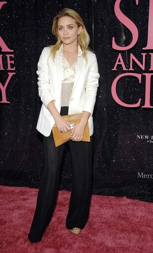 Ashley-Olsen-Wearing-A-Jacket-And-Pants-By-The-Row-A-Givenchy-Belt-And-Carrying-A-Calvin-Klein-Bag-At-Arrivals-For-Sex-And-The-City-The-Movie