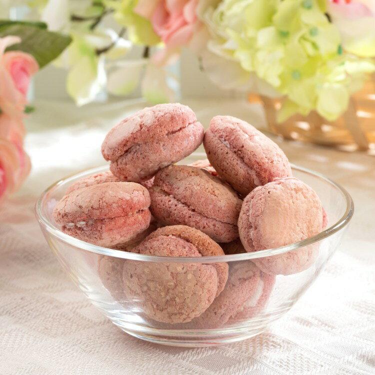 ~台南老店新吃貨~草莓巧克力雪白夾心∣台式馬卡龍∣牛粒,香甜軟嫩的草莓巧克力台式馬卡龍 新