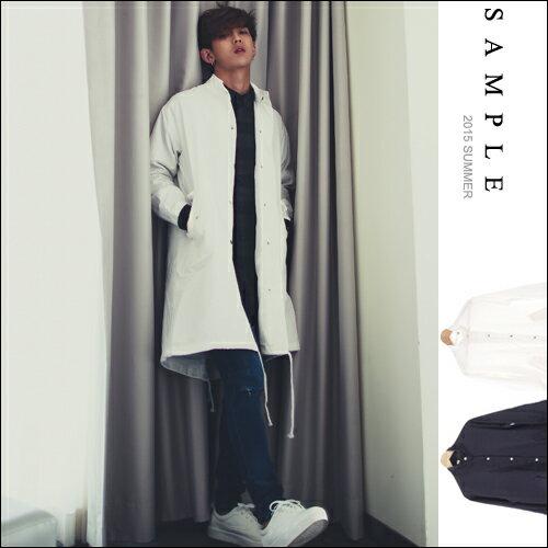 釘釦超長版滑面風衣外套