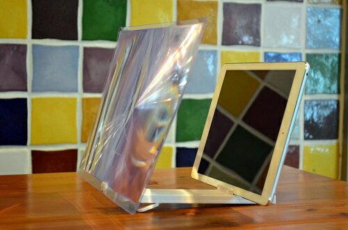 志佳13.5吋手機平板行動電影院 - 手機平板變身13.5吋大螢幕,看得更清晰