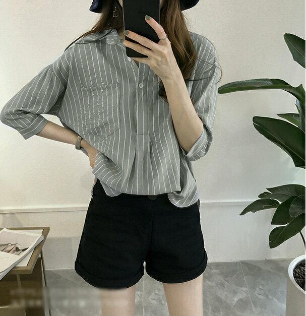 【V2525】shiny藍格子-文青女孩.條紋口袋寬鬆七分袖襯衫上衣 3