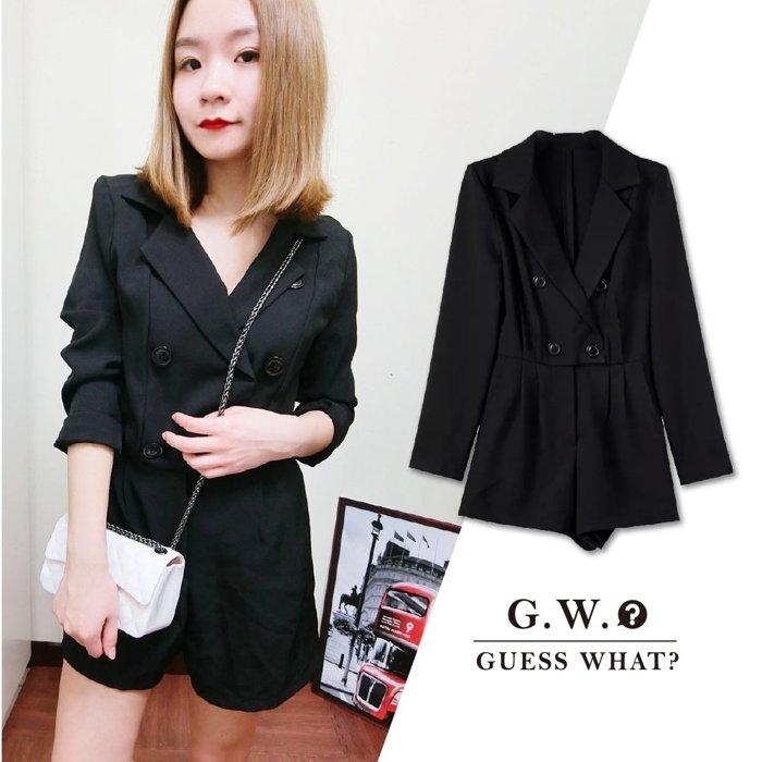 G.W.GUESSWHAT 全黑色素色 西裝 長袖深V低胸排釦性感女人味連身褲裝 街風 短