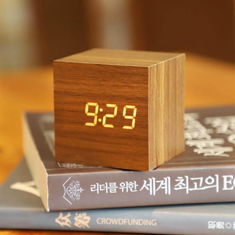 鬧鐘迷你鬧鐘創意個性懶人學生用床頭小型簡約電子小鐘錶宿舍桌面時鐘