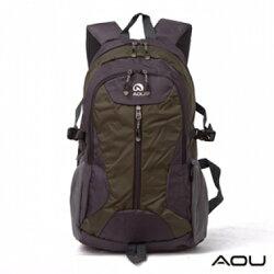 【AOU微笑旅行】生活玩家系 台灣釦具 輕量護肩雙肩背包(墨綠色68-063)【威奇包仔通】