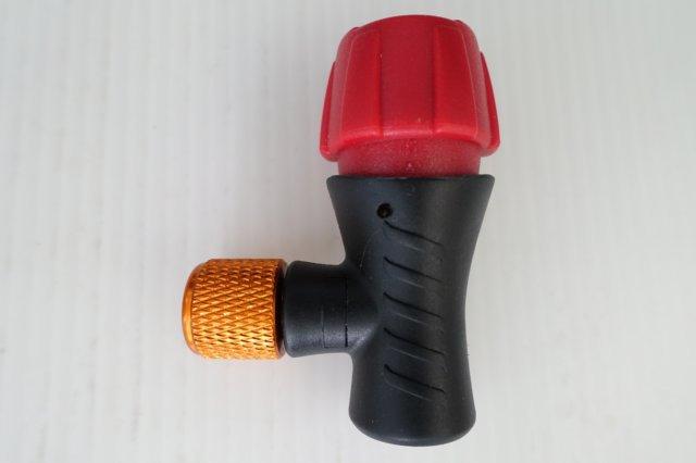 【意生】CO2美法雙用快速充氣打氣接頭【單獨接頭】輕巧易攜帶 CO2高壓打氣瓶 CO2有牙鋼瓶16g帶牙充氣瓶