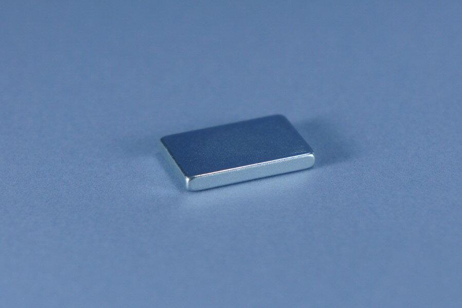 強力磁鐵釹鐵硼方邊長1.5公分*1公分*0.2公分-Mark Honor