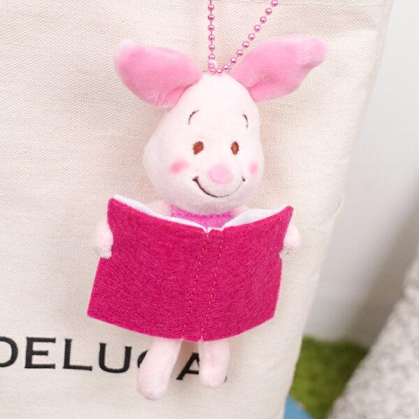 PGS7日本迪士尼系列商品-日貨小熊維尼維尼Winnie小豬閱讀吊飾【SKD80078】