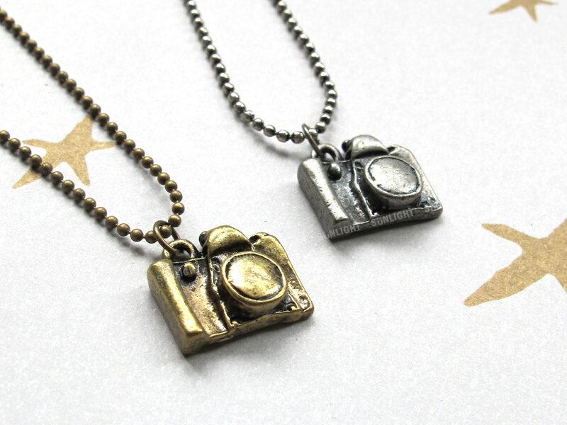 日光城【相機項鏈6201-0304】銅版相機項鍊 韓照相機造型長掛鍊 毛衣鍊長鍊穿搭飾品配件